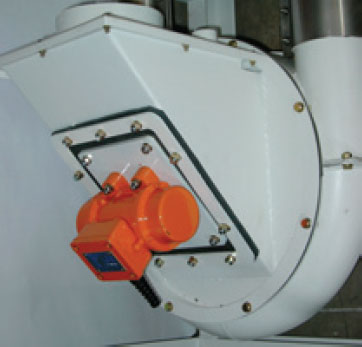 Vibrated inlet Aero-Mechanical Conveyor
